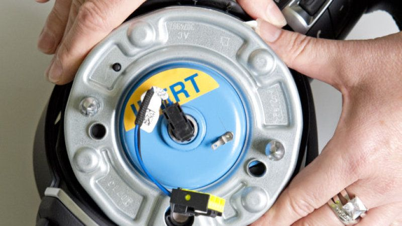 Takata bankruptcy benefits automakers, not victims