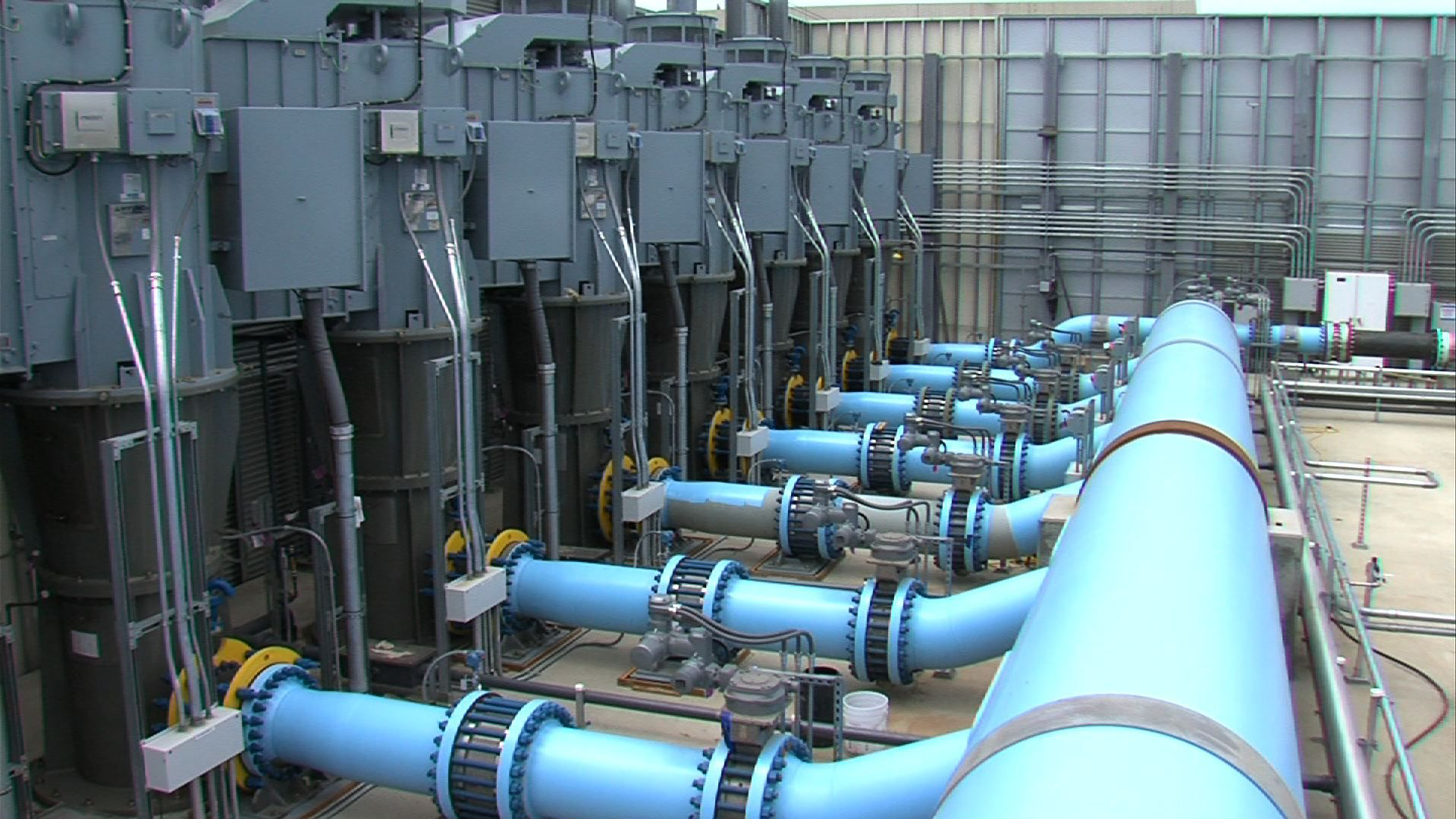 Drinking Water Starts Flowing From Carlsbad Desalination Plant Carlsbad Seawater Desalination Drinking Water