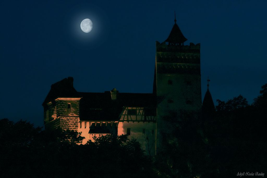 Bran Castle at night