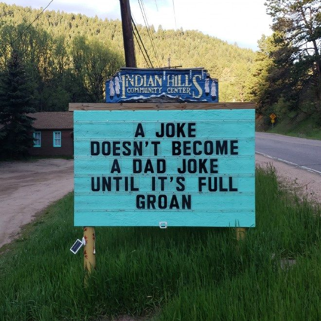 Man Posts Brilliant Dad Jokes And Puns On a Roadsign In a Small Town