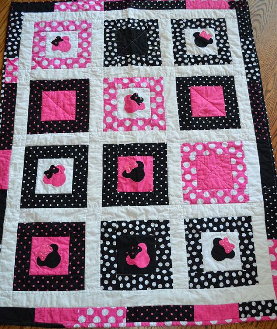 Minnie Mouse Patch Quilt By Lannersquilts On Etsy 99 00 Mickey Mouse Quilt Disney Quilt Quilts