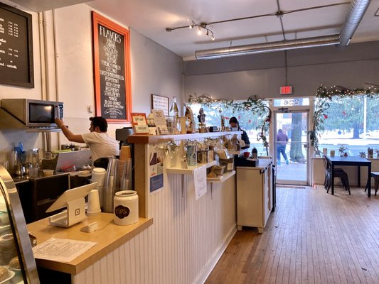 The Bean 226 Takeout Delivery 193 Photos 75 Reviews Coffee Tea 226 Broad St Windsor Ct Phone Number Menu In 2020 Home Decor Decor Conference Room