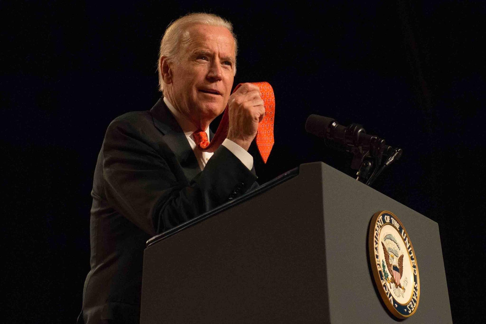 Vice President Joe Biden Speaking At Su And Showing Off His Orange Tie 11 12 15 Syracuse University Vice Syracuse