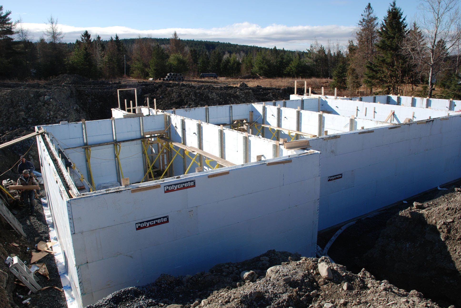 Polycrete big block 1600 insulated concrete forms icf for Insulated block house