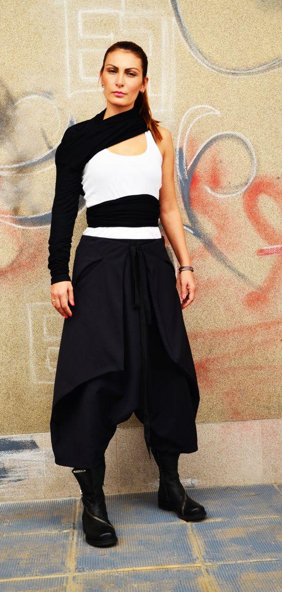 Japan Skirt Pant  Low Drop Crotch Trousers  Harem Pant Culotte  Trousers Minimalist Samurai Pant Capr ca0fbd620ac