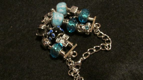 Mommy loves Baby Bracelet by FruitoftheWombDipes on Etsy My daughter has started making these!