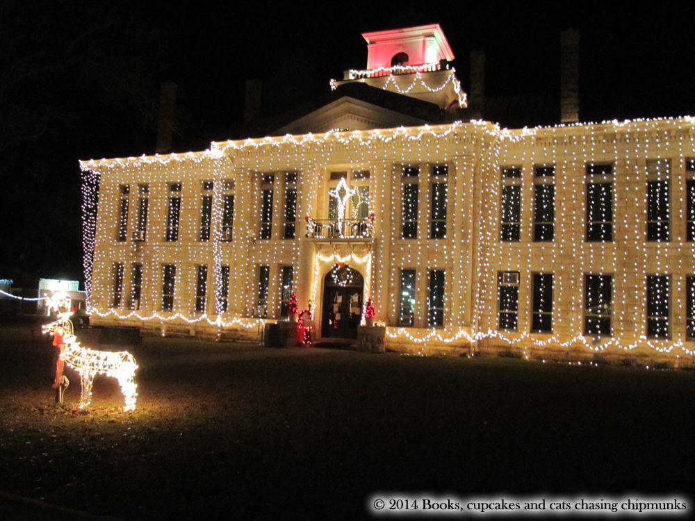 Christmas in Texas: Johnson City\'s Christmas Lights | Book cupcakes ...