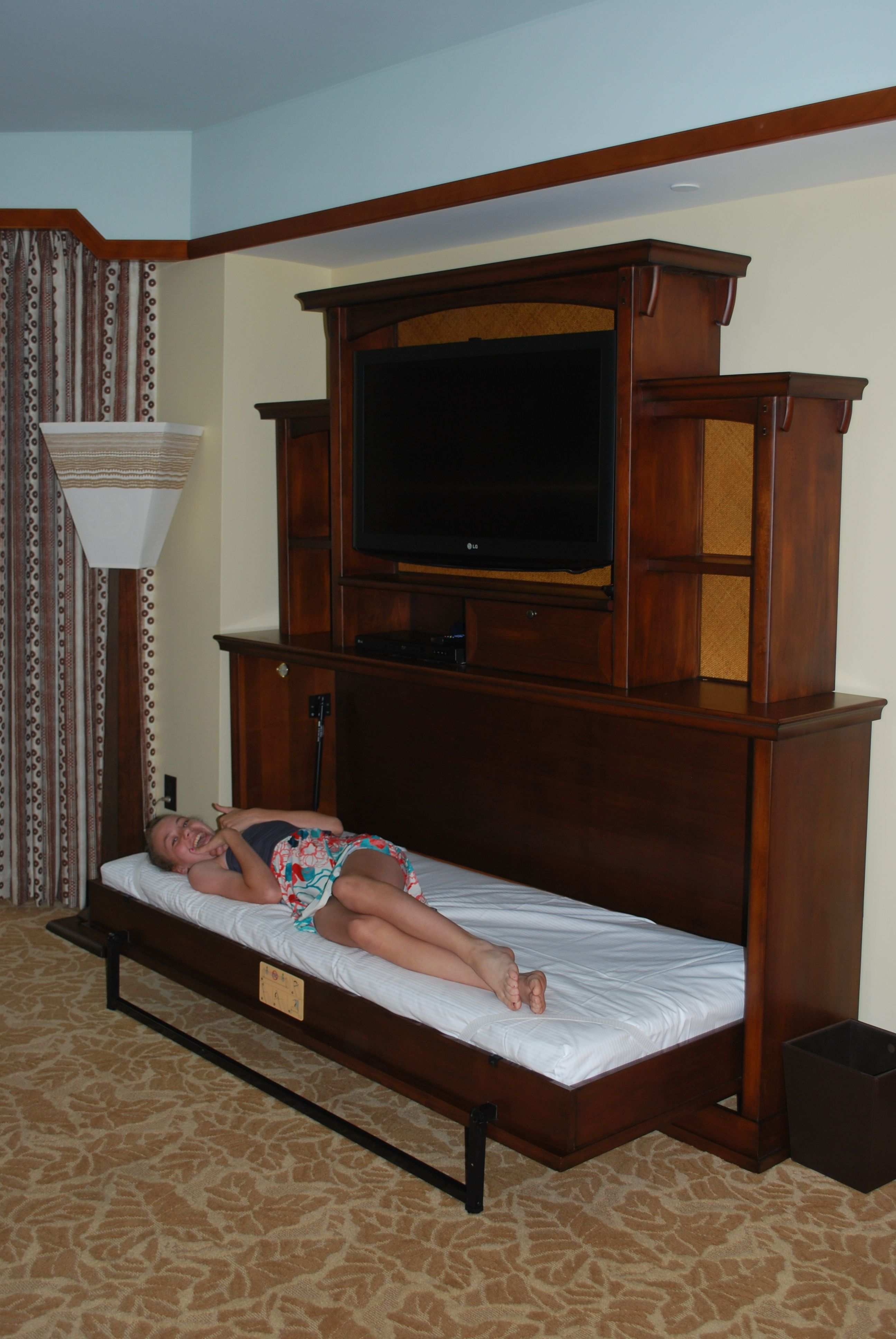 Pull out bed, One Bedroom Villa, Aulani   Hawaii   Pinterest ...