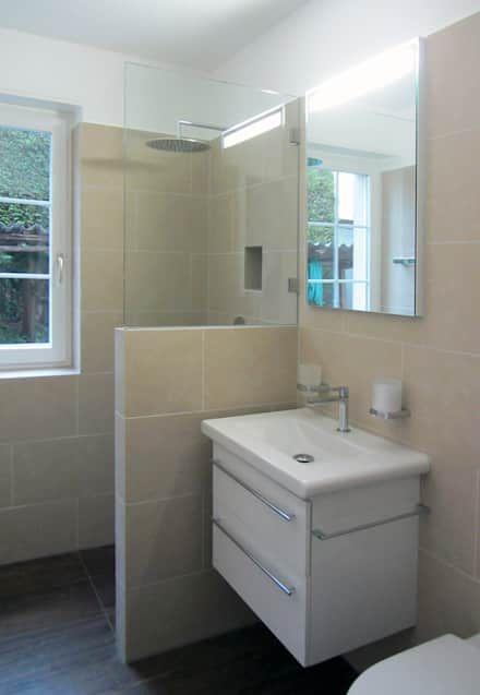 Dusche: Landhausstil Badezimmer Von Mader Marti Architektur ETH SIA