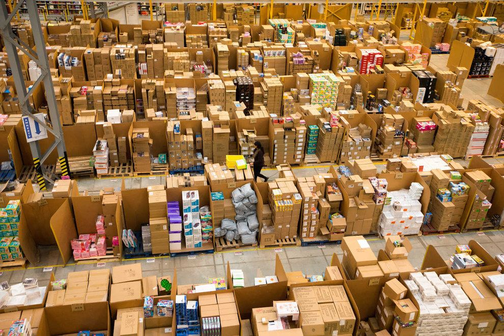 10 Jaw Dropping Pictures Of Living Inside An Amazon Warehouse