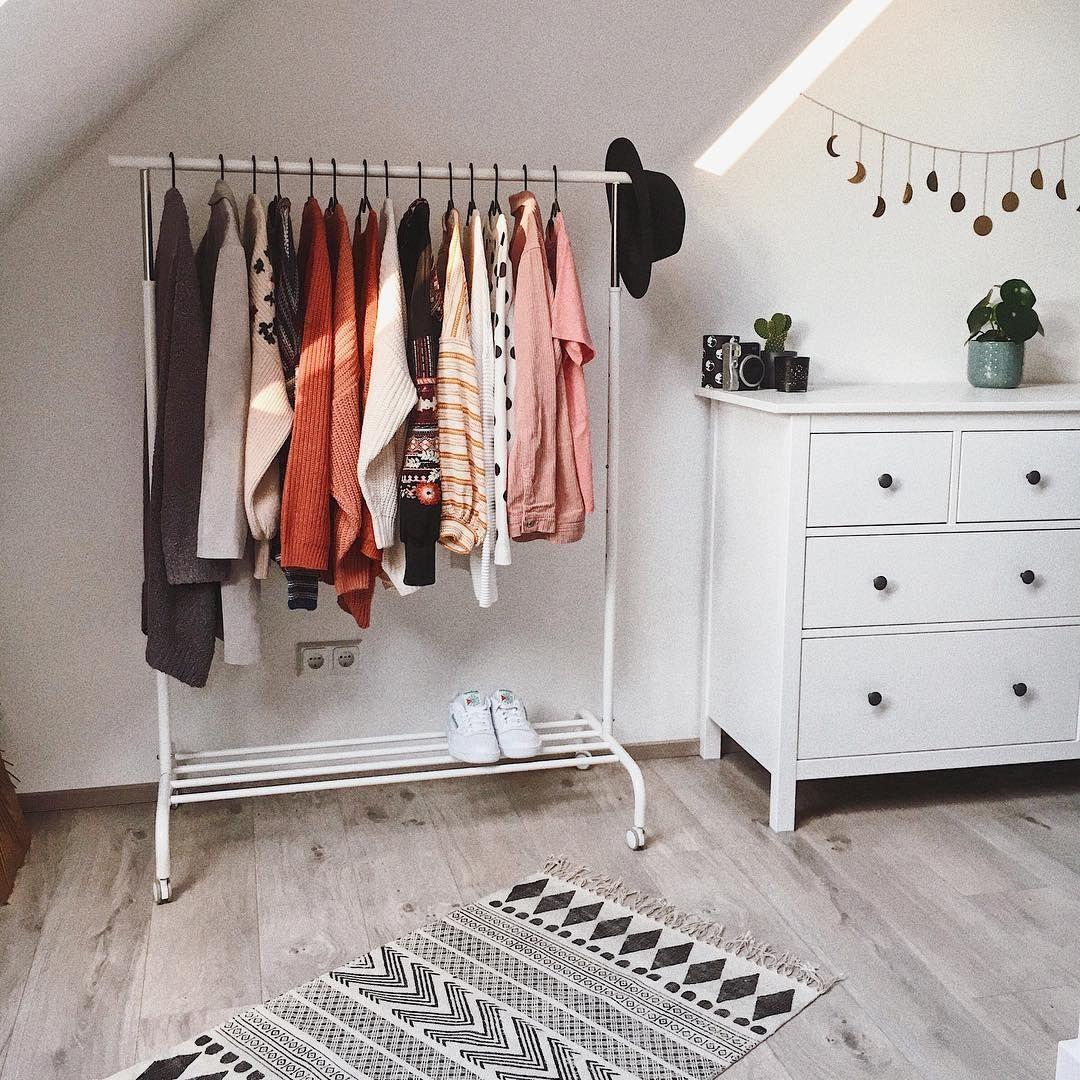 Photo of SO einfach & günstig kannst du einen begehbaren Kleiderschrank selber bauen