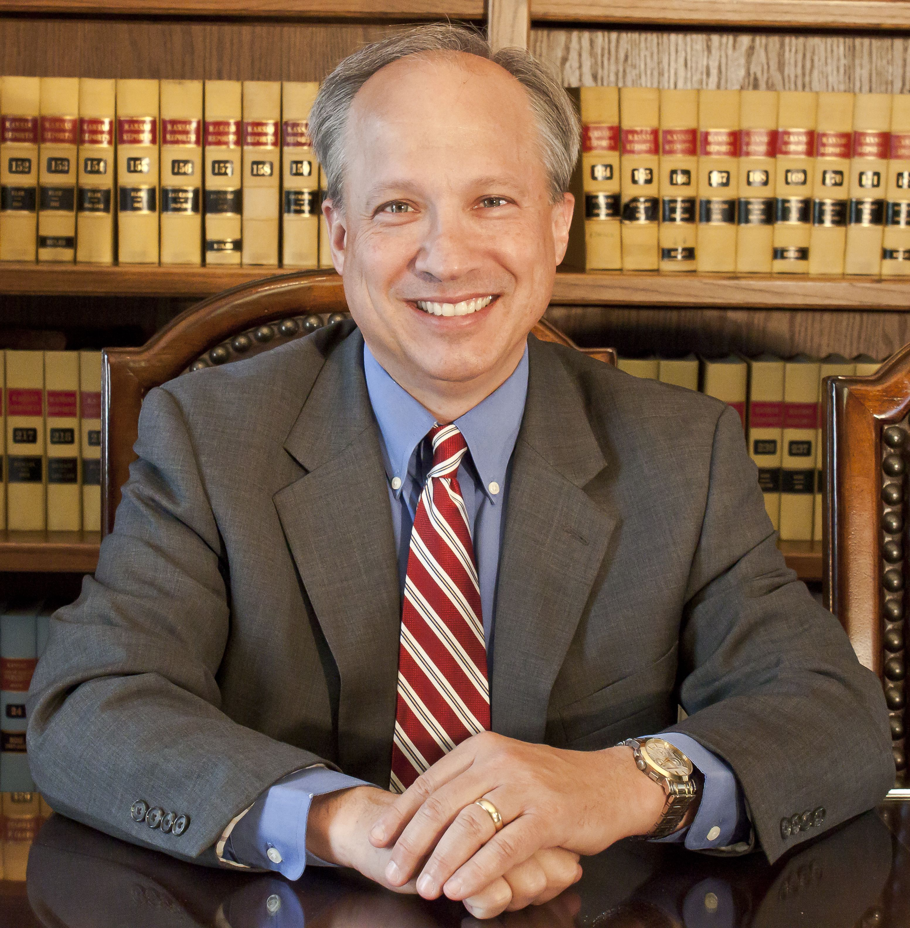 """Roger A. Riedmiller, """"Lawyer on the Line""""  www.lawyerontheline.com"""