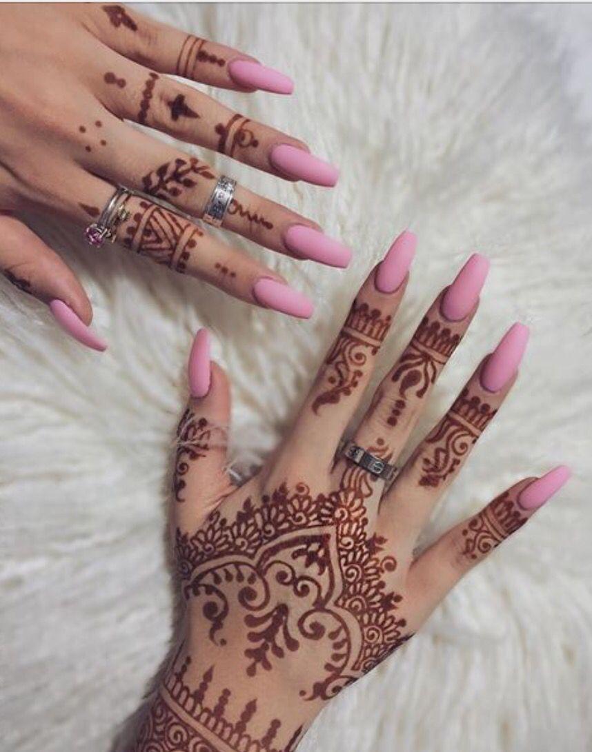 Pin by Asya Damyanova on nails   Hand henna, Henna hand