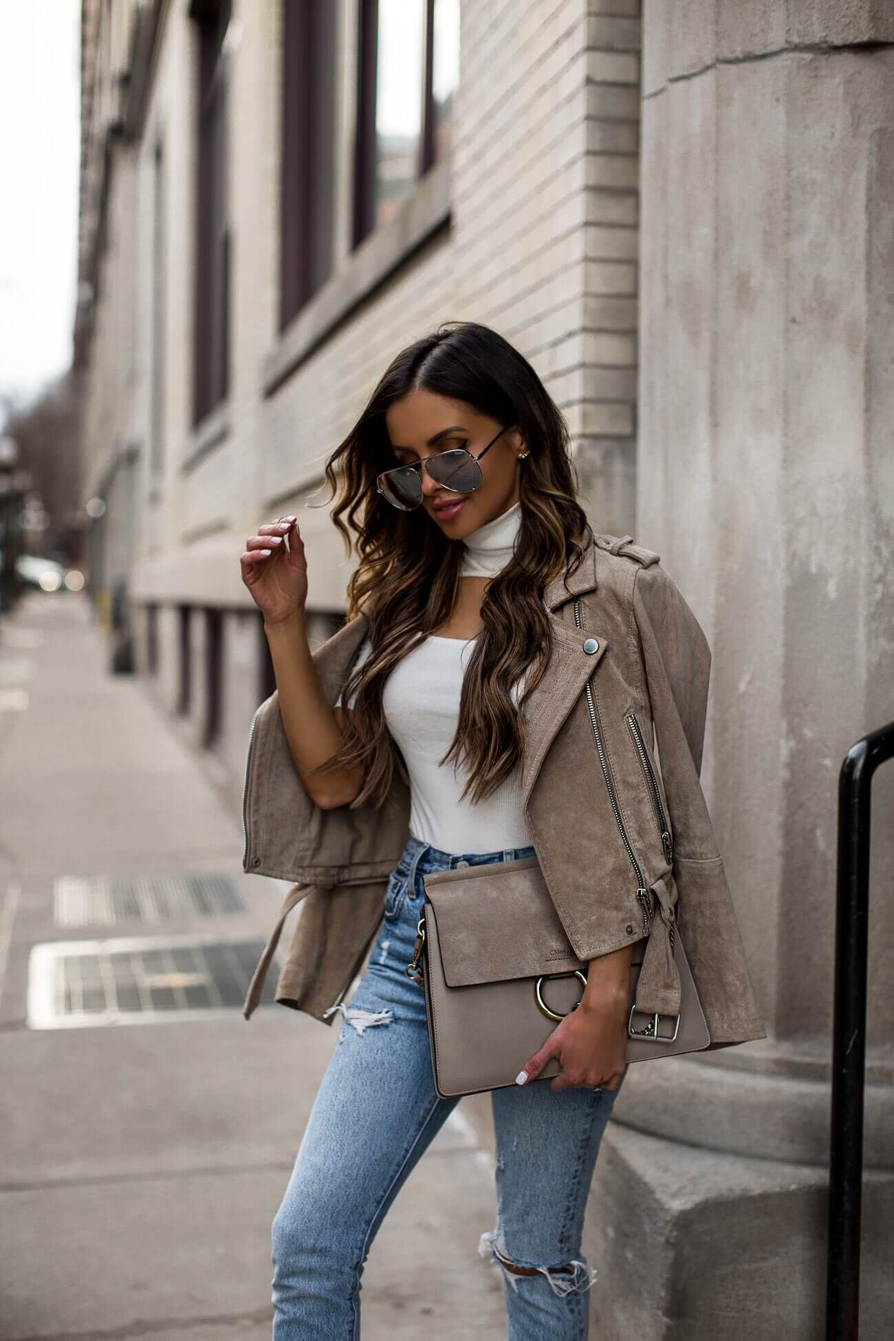 Beige Leather Jacket Mia Mia Mine In 2021 Fashion Outfits Outfit Details [ 1950 x 1300 Pixel ]
