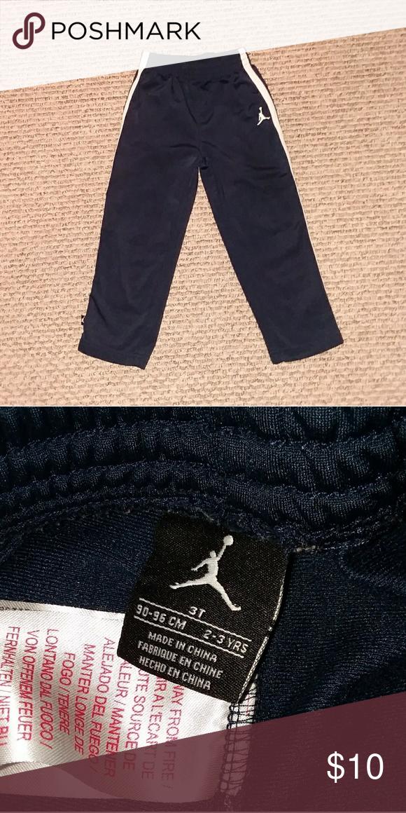 946cb87a60fc0c   Excellent Condition   Boys Jordan pants!! Excellent condition!! Jordan  Bottoms Sweatpants   Joggers