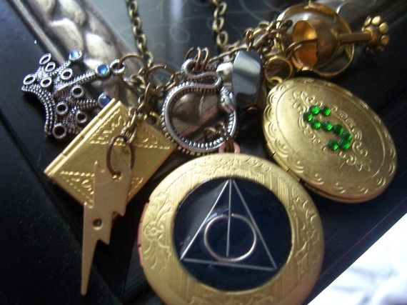 Deathly Hallows Necklace with all 7 horcruxes!