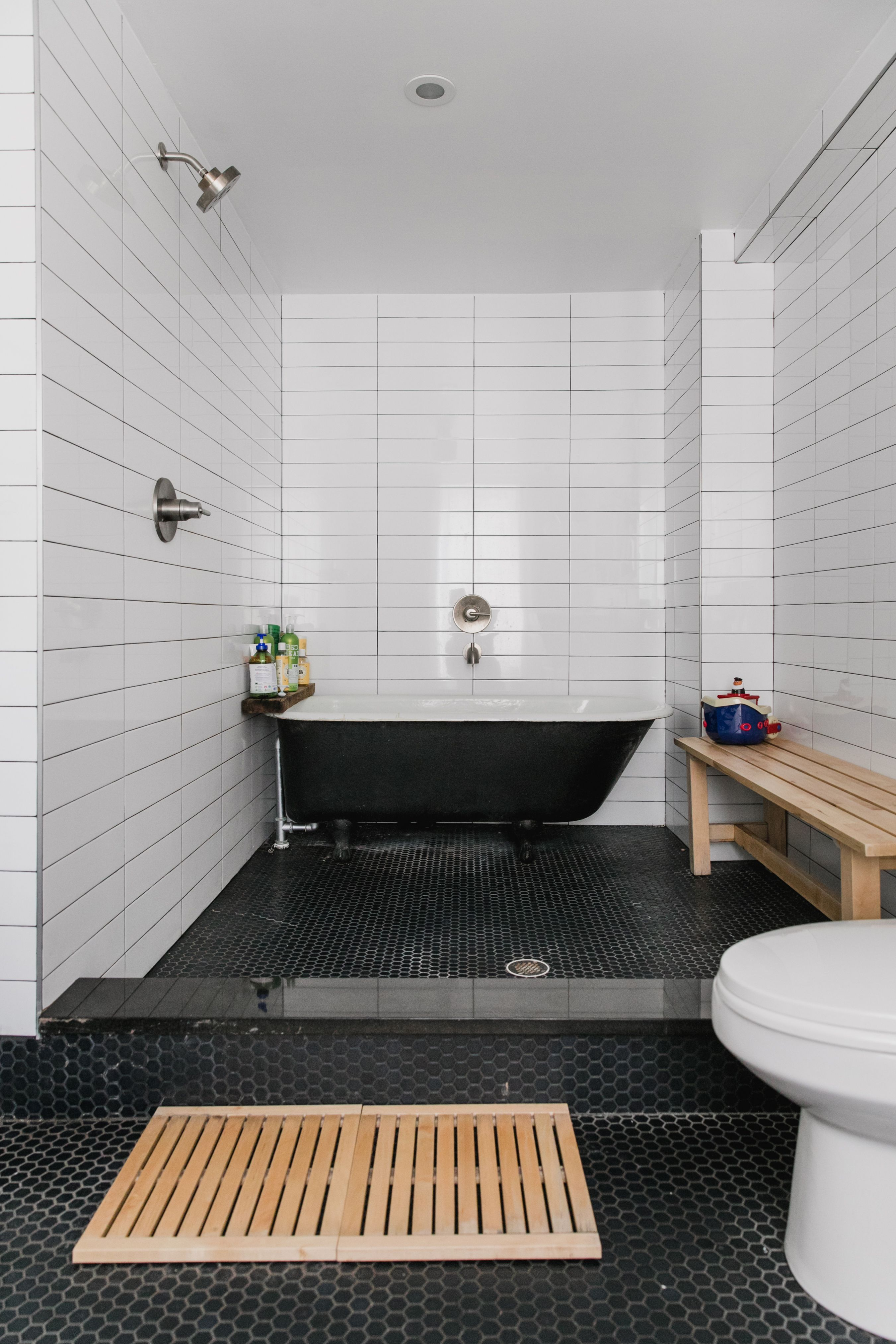 The Gorgeous Bathroom Style bo Perfect for a Tight Bud