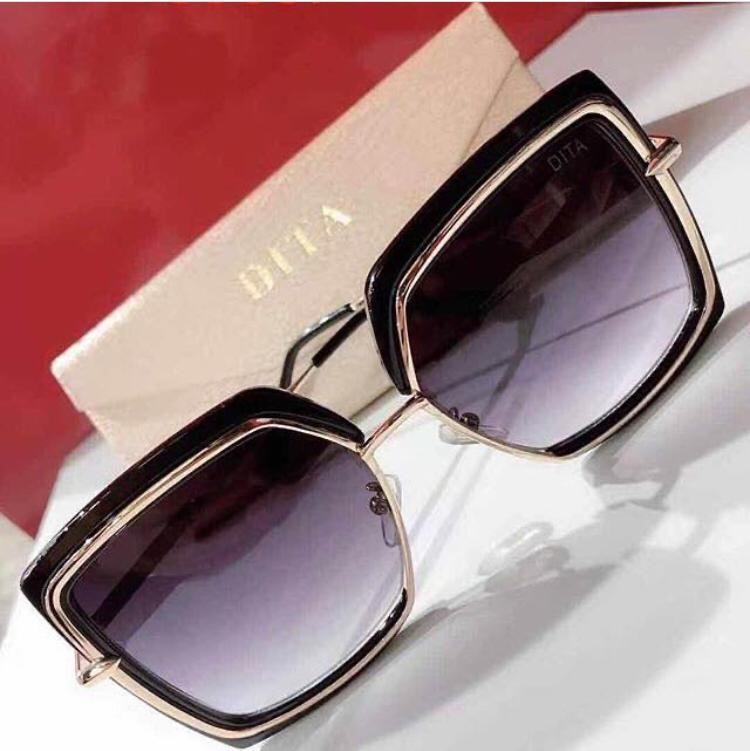 Oculos De Sol Quadrado Feminino Preto Com Dourado Oculos De Sol