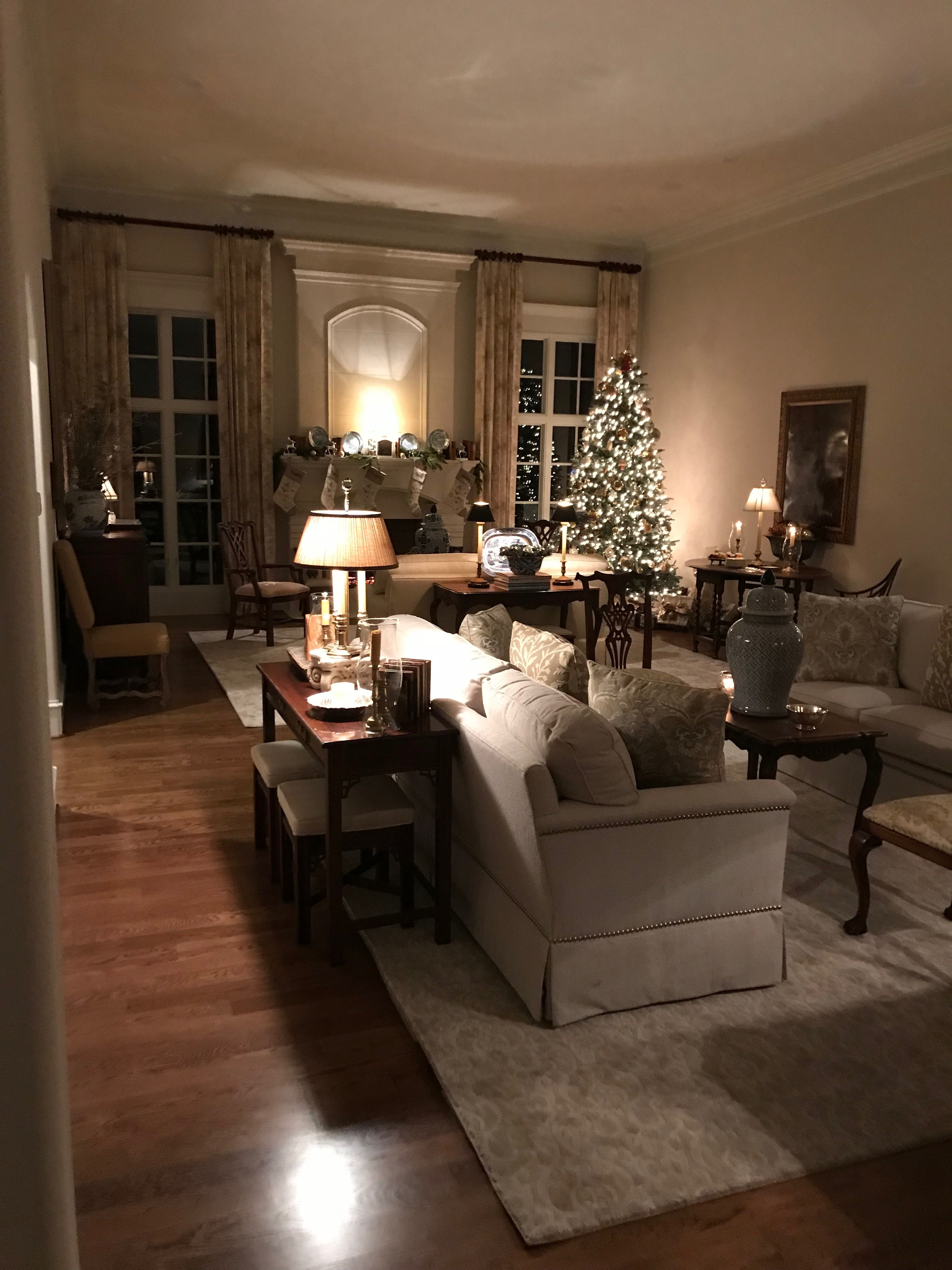 Living Room Night Decor And Please Those Windows Facing The Entrance And Road Farm House Living Room Rustic Living Room Elegant Living Room