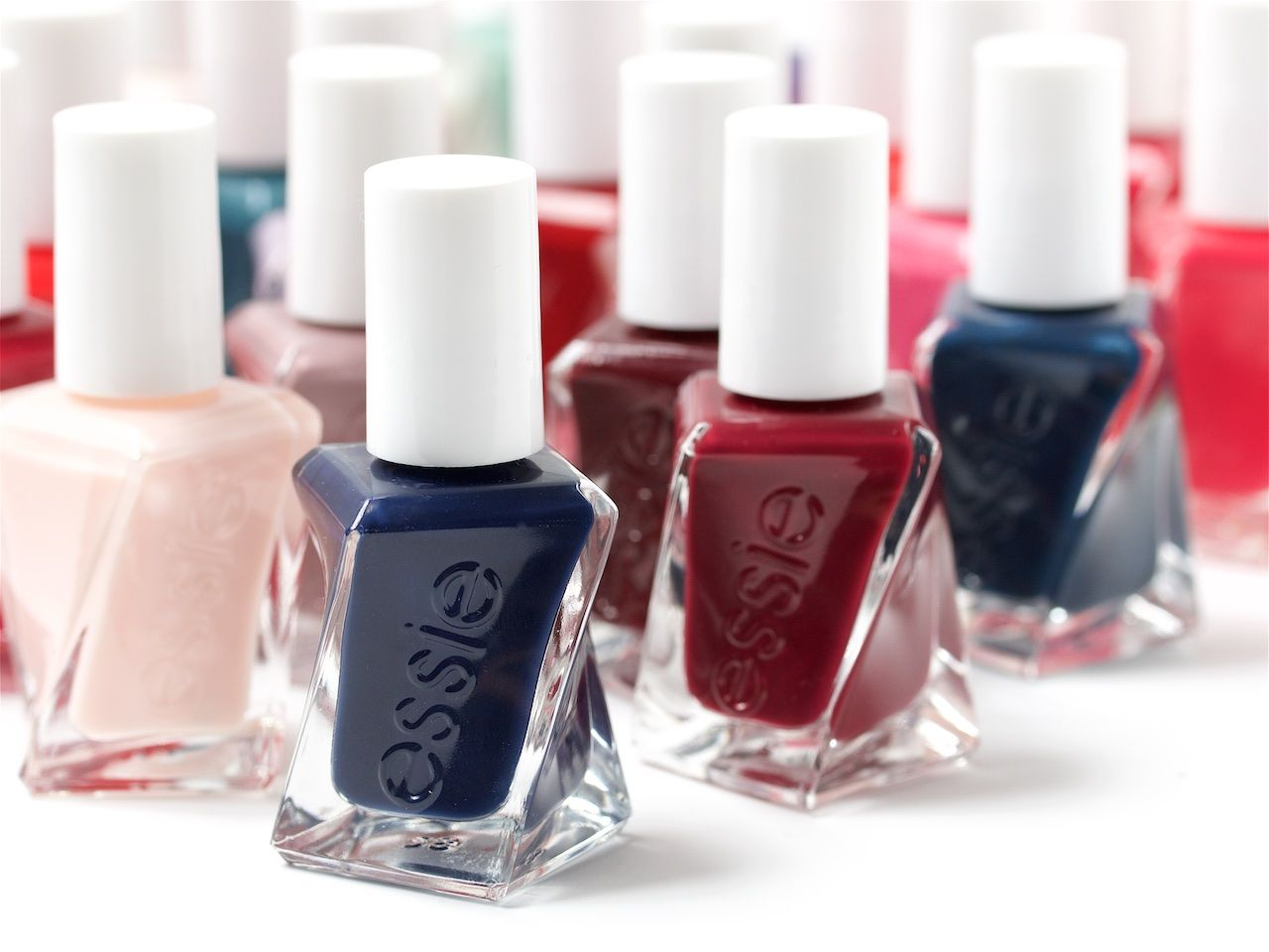 Essie's Upcoming Gel Couture Actually Delivers 14-Day Wear