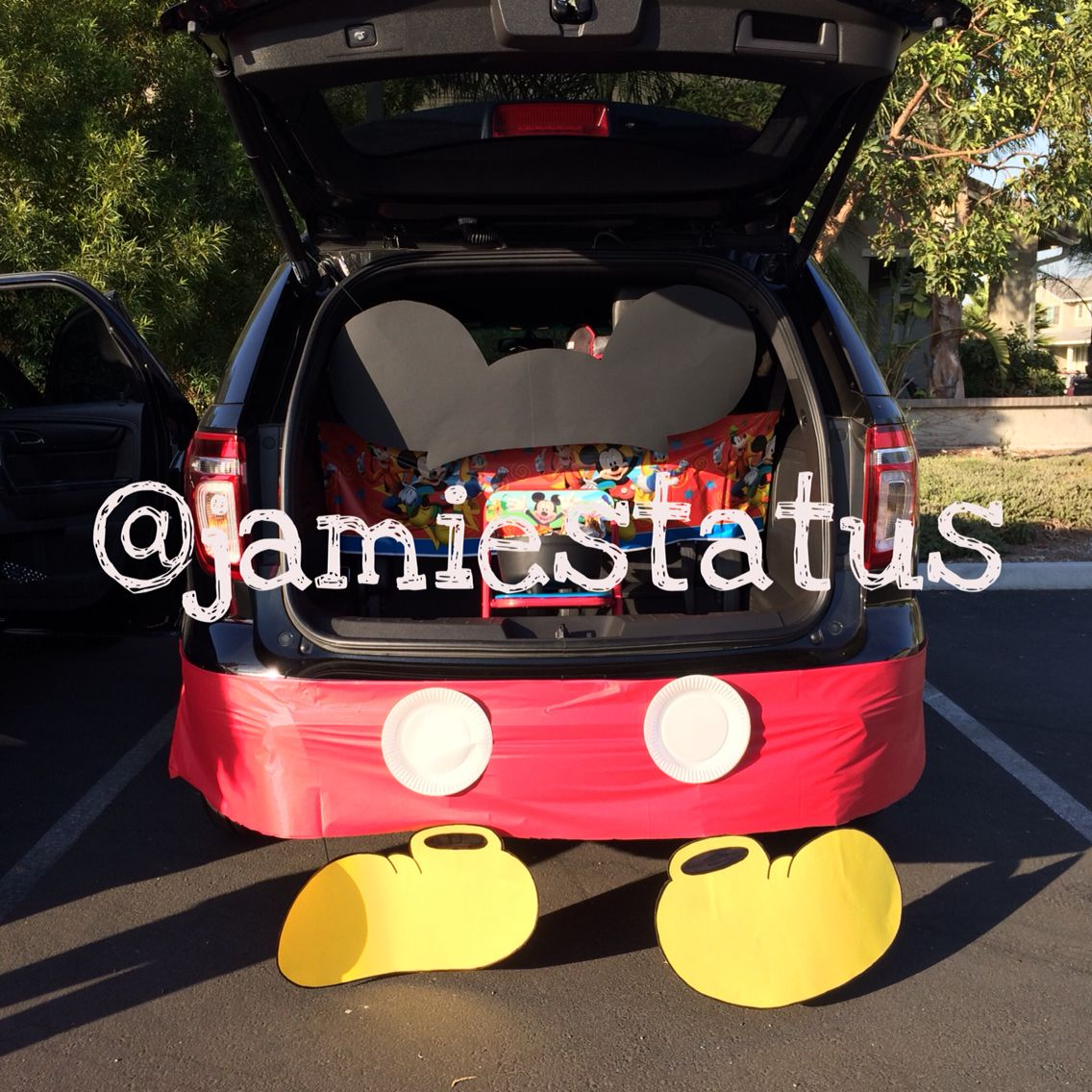trunk or treat disney mickey mouse trunk decoration for halloween