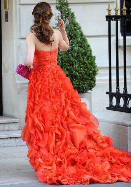 blair waldorf 39 s red dress my style pinterest kleider und abschluss. Black Bedroom Furniture Sets. Home Design Ideas