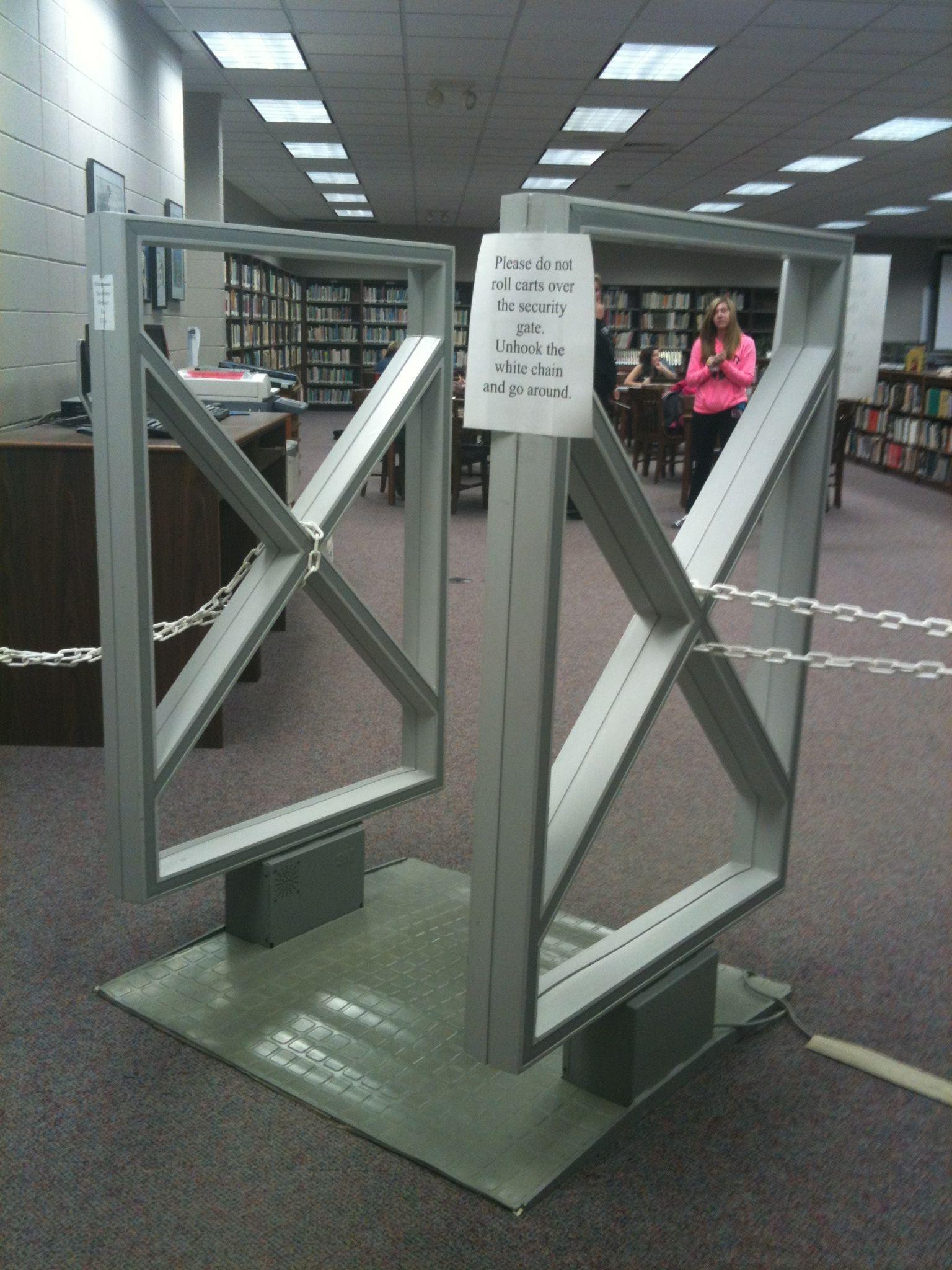 This Gate Has Similar Polygons