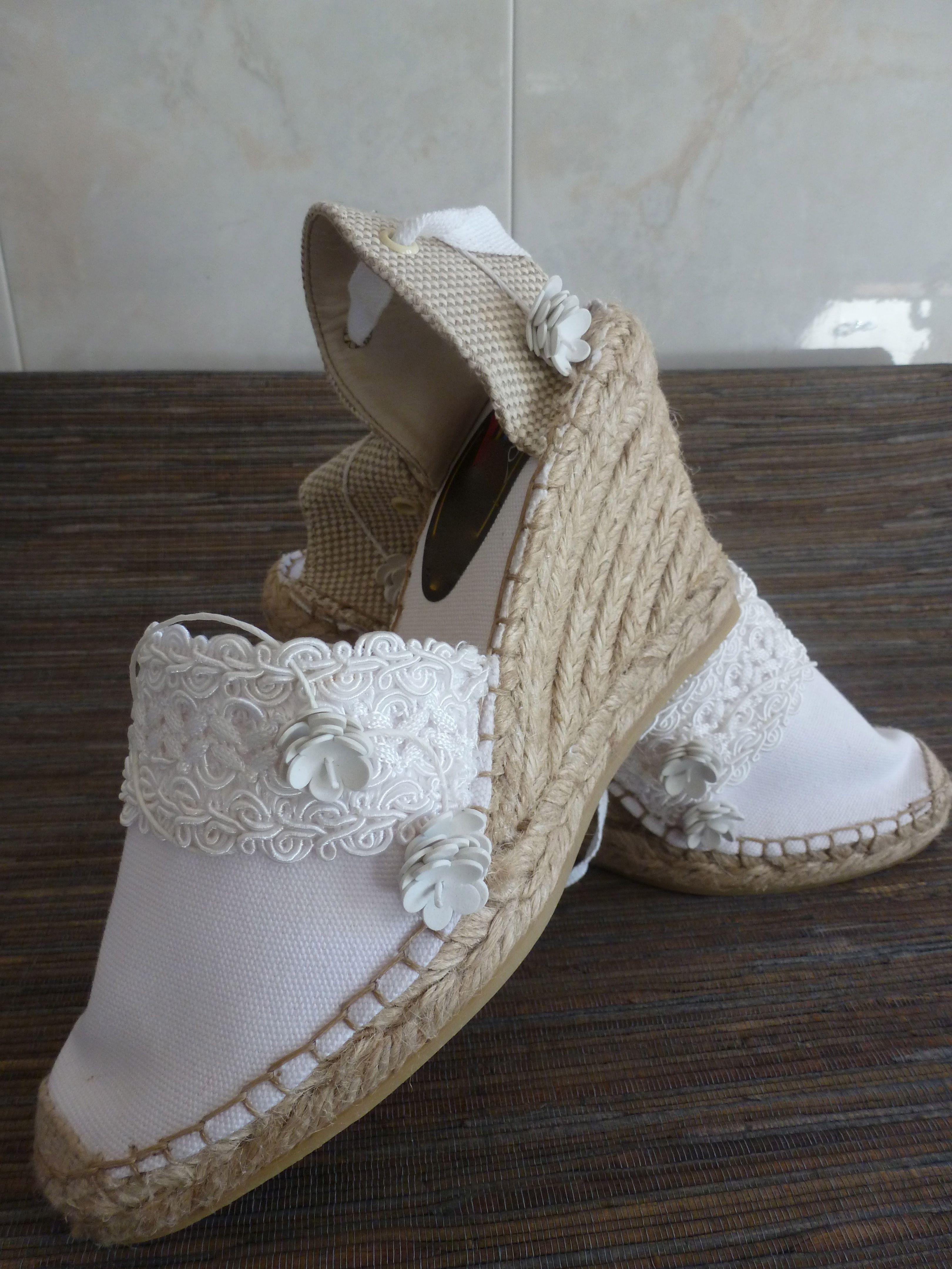 5a317323 Alpargatas de novia … | zapatillas en Pedreria | Alpar…