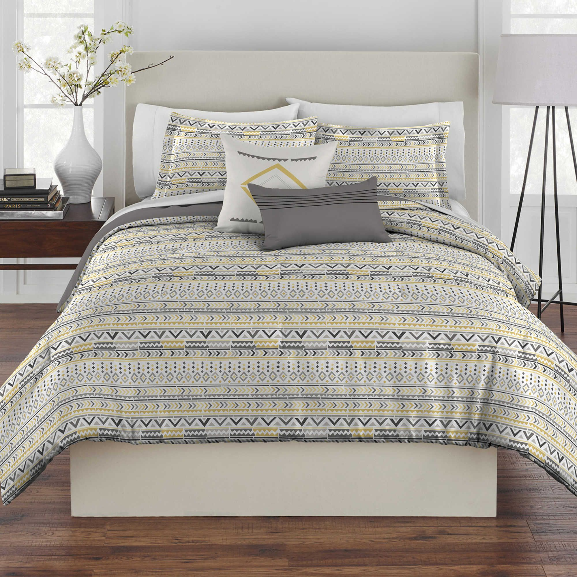 Rhapsody Geo Tribal 5 Piece Reversible Full Queen forter Set in