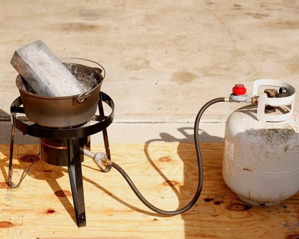 dual fuel metal melting furnace blacksmithing metals and metal