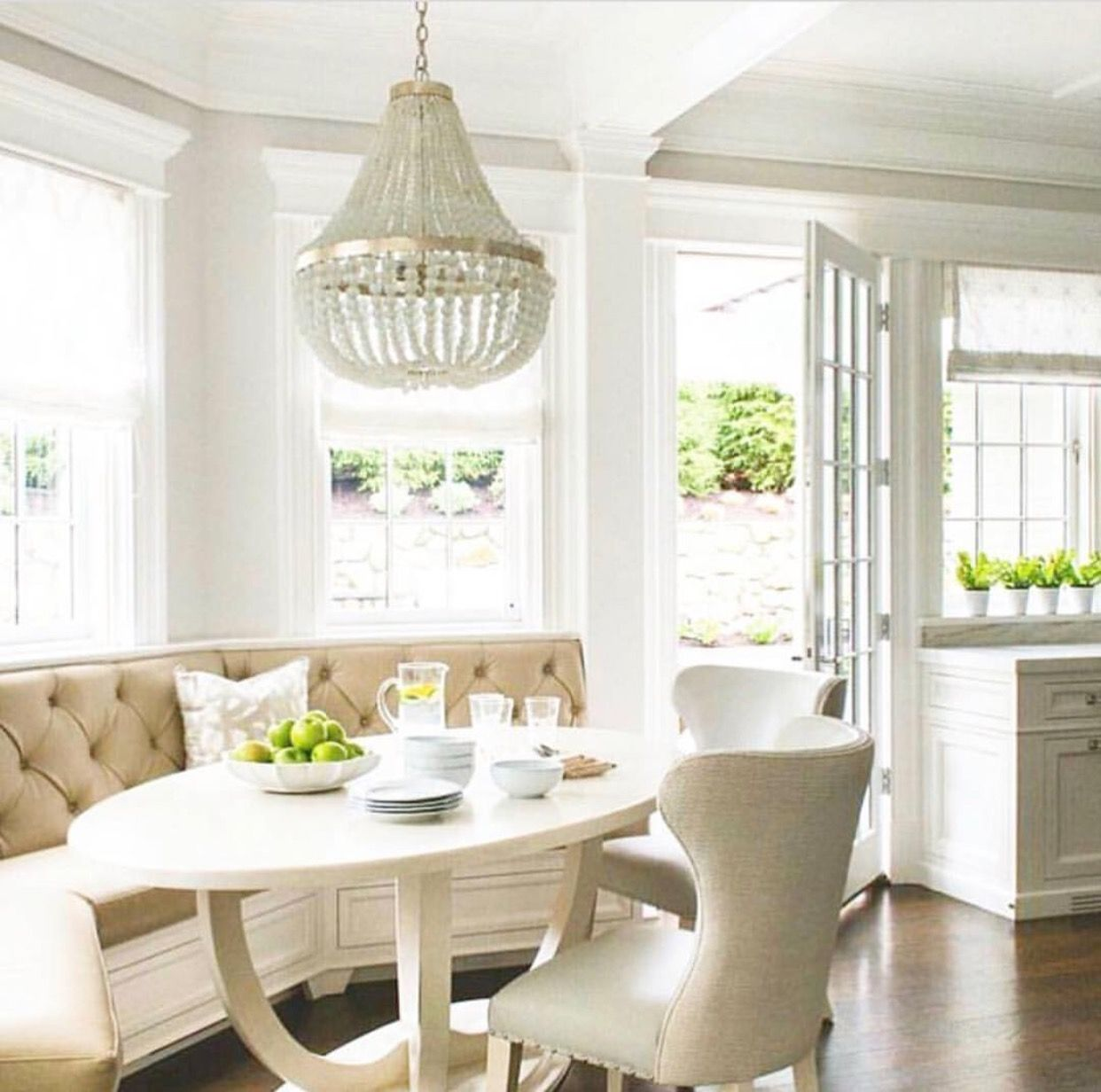 Similar Breakfast Nook Layout Builtin With Oval Table Dining