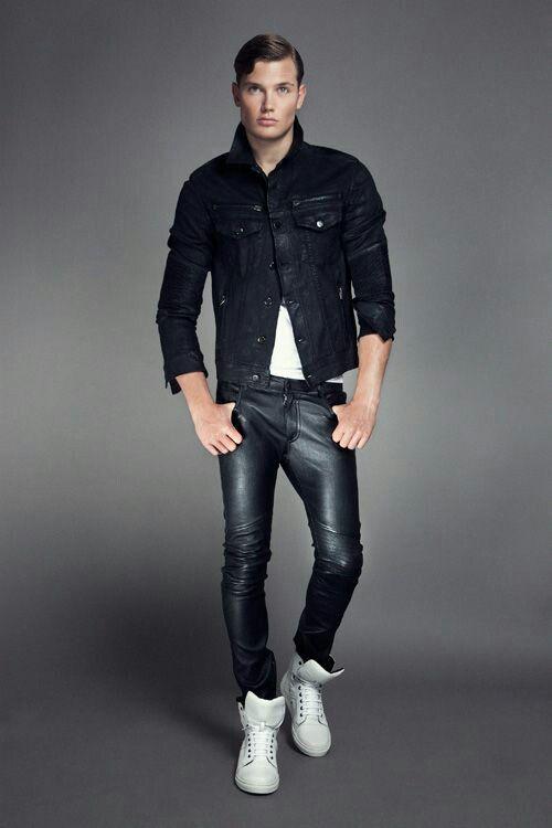 Men pants leather pasarela Milán.