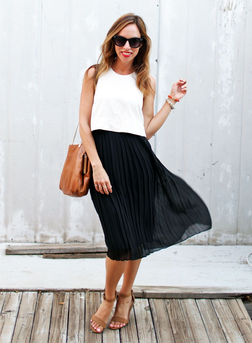 People Stylewatch Celeb Stylist Studio Pleated Skirt Outfit Summer Black Pleated Skirt Outfit Pleated Skirt Outfit [ 1386 x 1020 Pixel ]