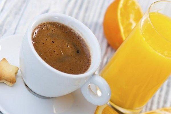 Café o jugo de frutas: ¿cuál es más saludable? #Salud #Bienestar