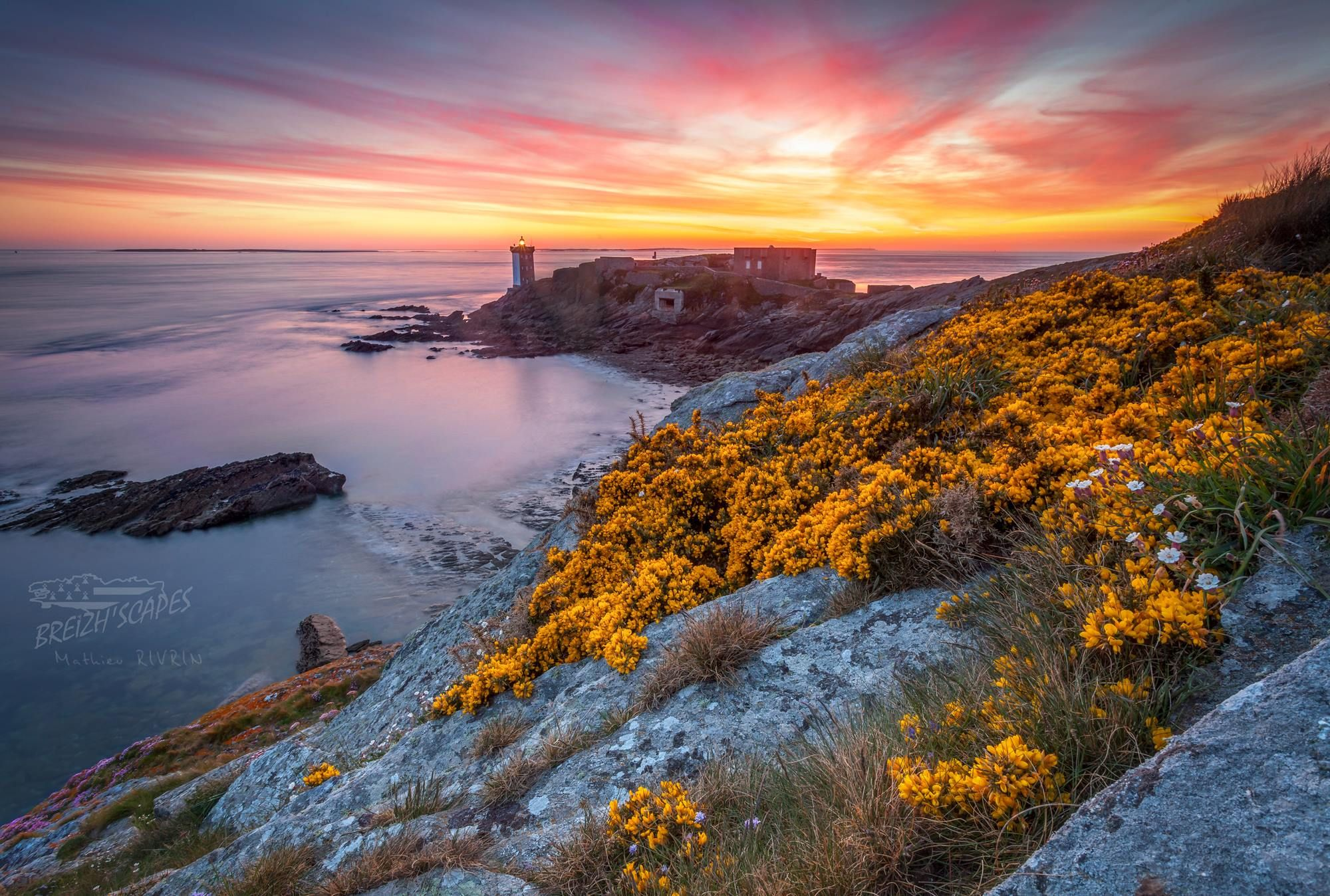Coucher de soleil sur le phare de kermorvan le conquet - Photos de coucher de soleil sur la mer ...