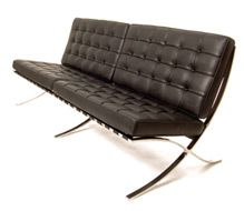 The Barcelona Sofa Is Based On The Classic Design Of Scissor Like  Collapsible Stools Used By Roman And Egyptian Rulers.