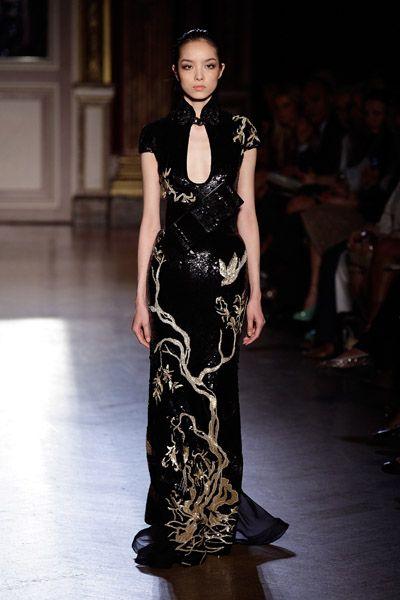 Asian inspired fashion Zuhair Murad Haute Couture Fall 2011  Gold Dress #2dayslook #jamesfaith712 #GoldDress  www.2dayslook.com