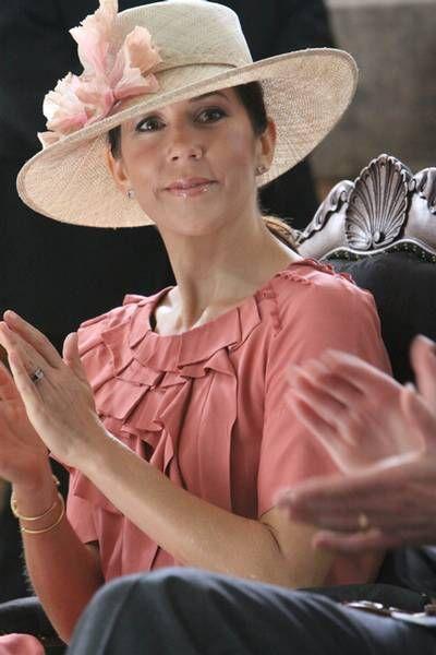 """hkhkronprinsessemary: """"Mary's hats spam """""""