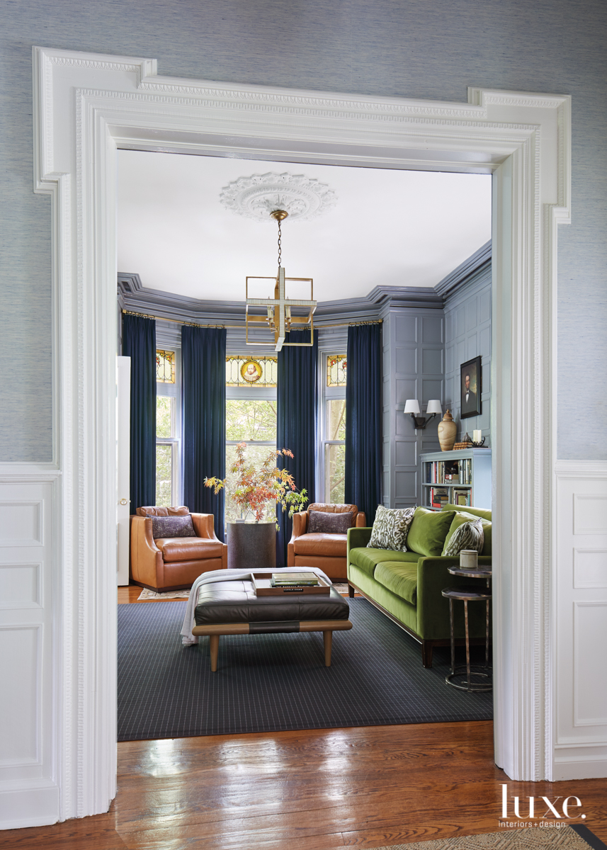 A Couple Updates A Victorian Home They Long Admired Luxe Interiors Design Victorian Interior Design Modern Victorian Homes Victorian House Interiors