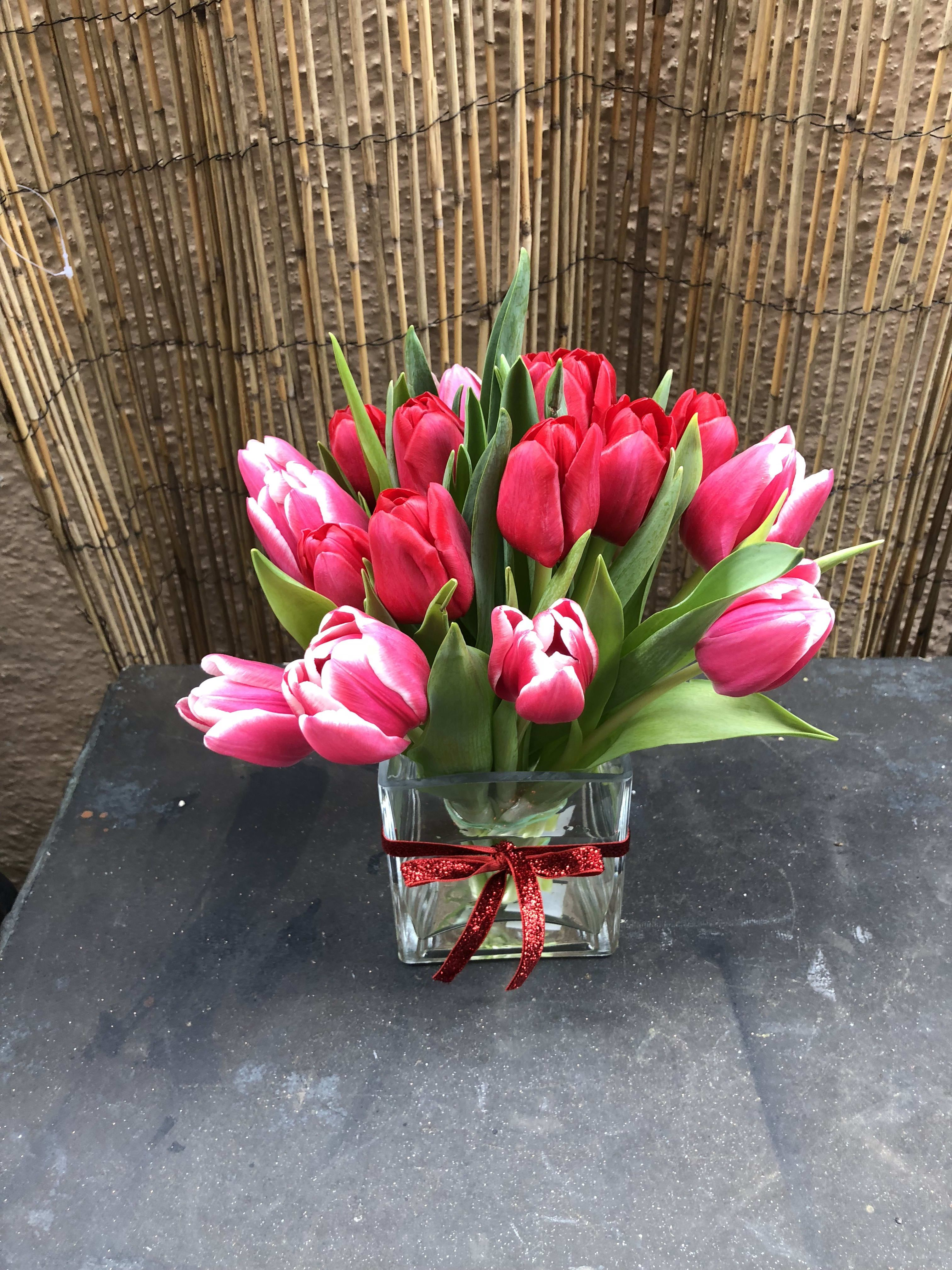 Tulip Lovers In 2020 Flower Delivery Tulips Flowers