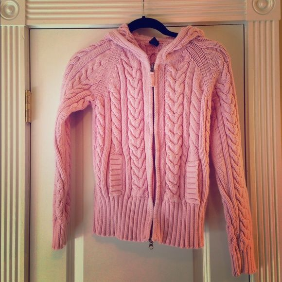 Pink hooded sweater Final Markdown Fantastic thick zip-front GAP sweater with a hood and pockets. Only worn once. GAP Sweaters