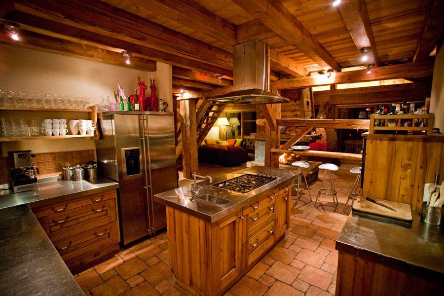Chalet Kitchen Luxury kitchens, Ski chalet decor, Luxury