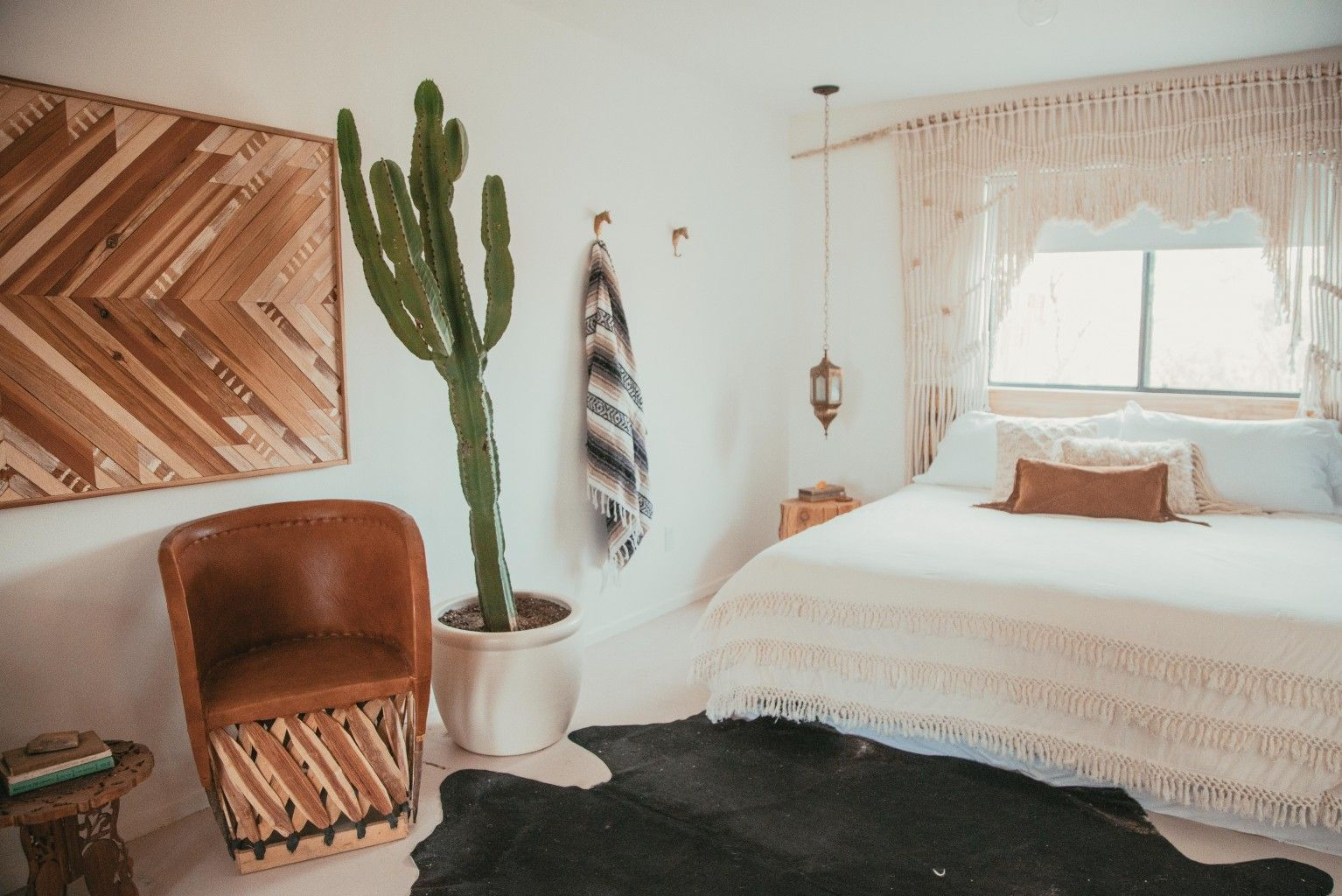 Airbnb Interiors: Desert Inspiration in The Joshua Tree House