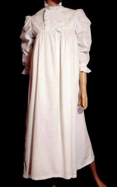 Antique Nightgown Victorian 19th Century  4a24f0f1f