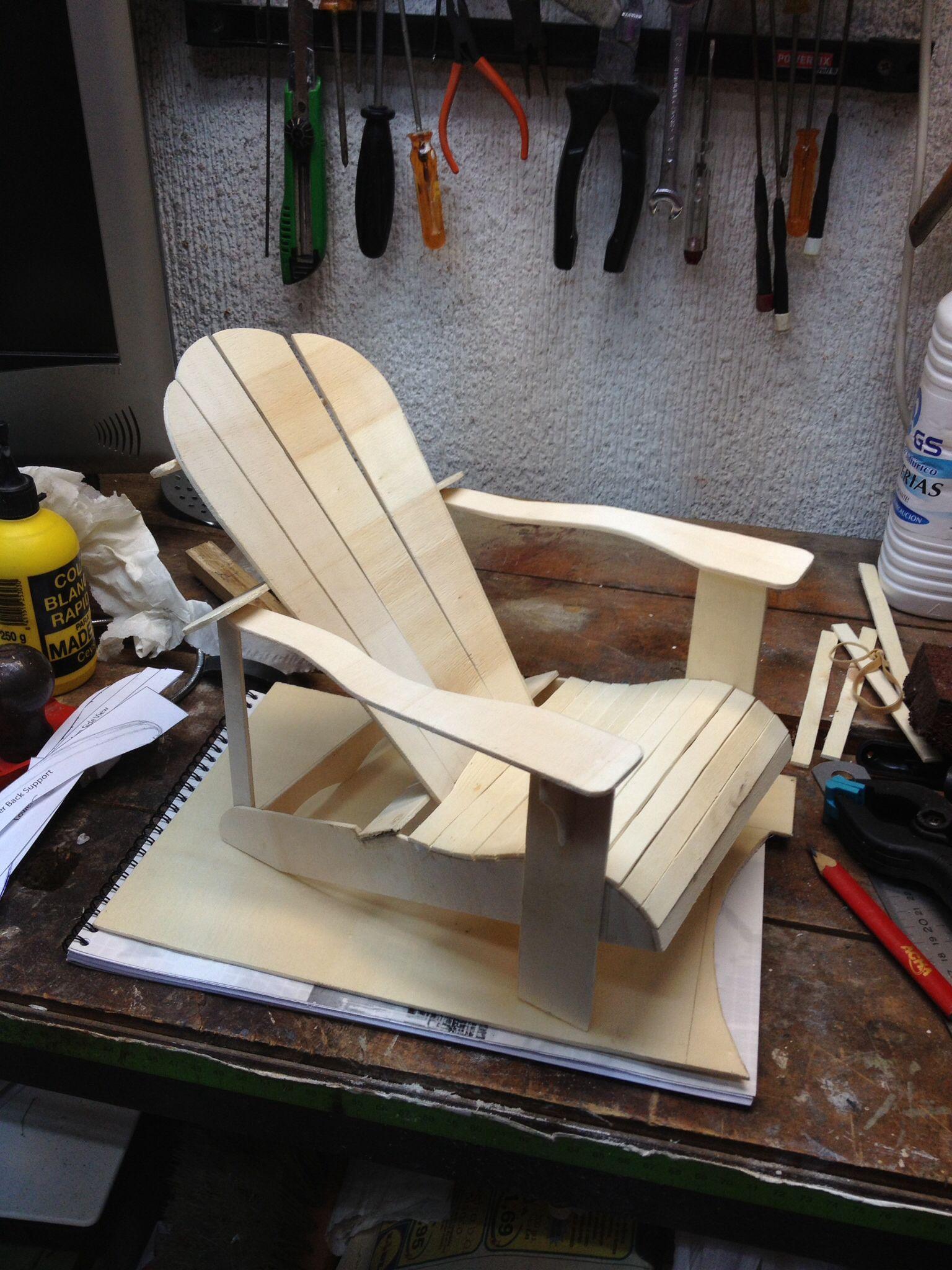 Maqueta de una silla Adirondack