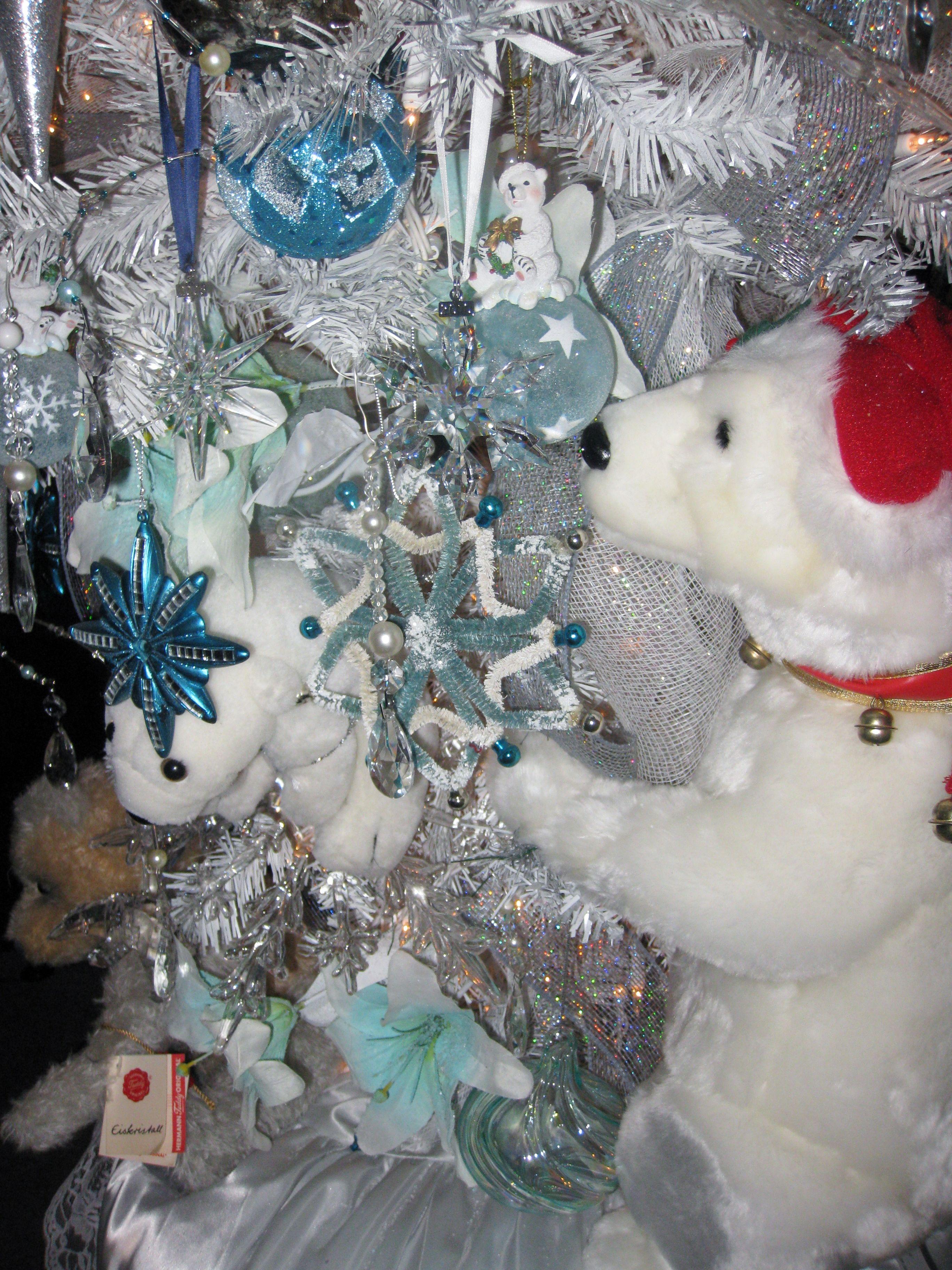 Close Up Northern Lights Christmas Christmas Tree Decorations