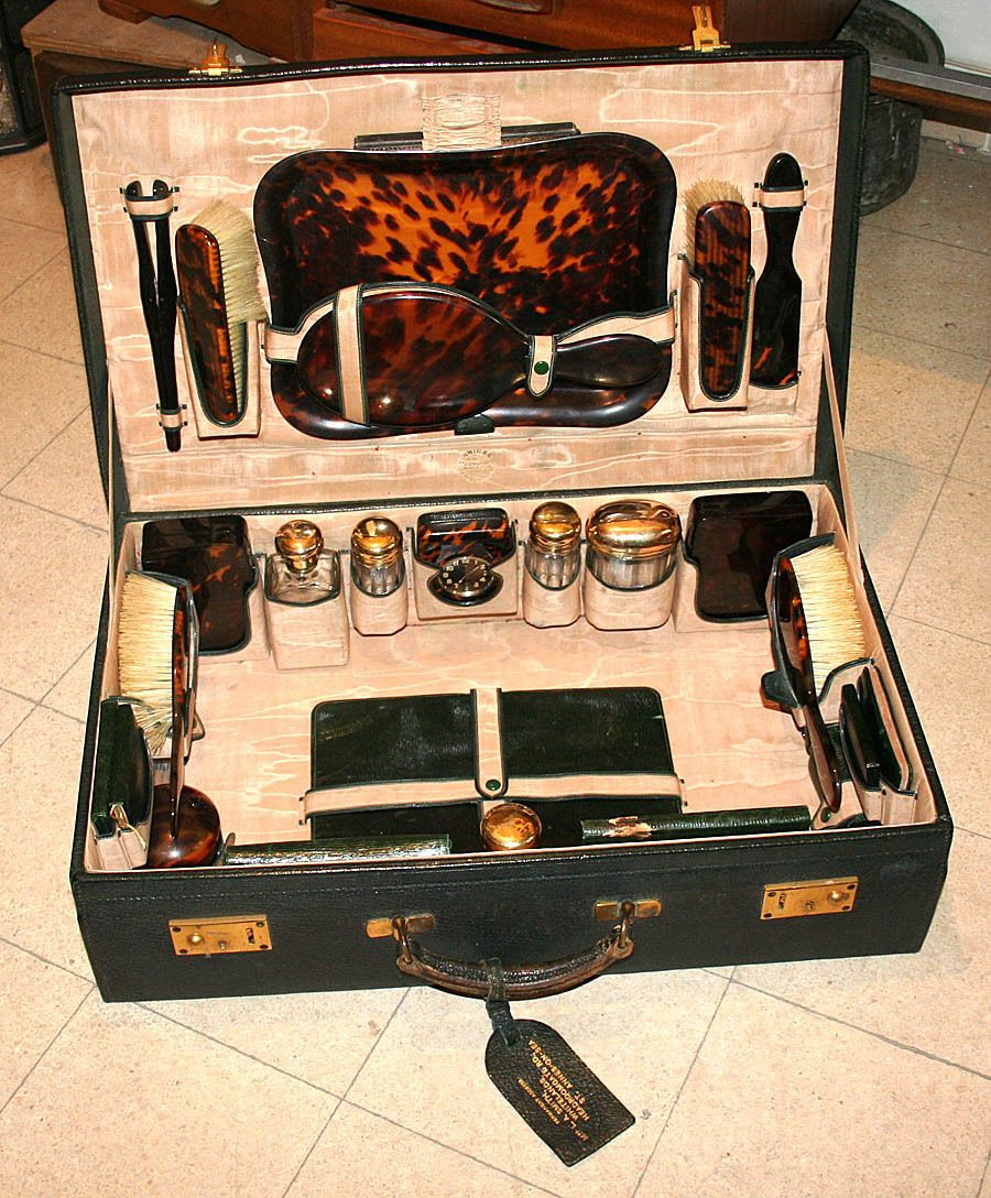 English antique vanity set suitcase sterling silver glass bakelite english antique mens vanity set geotapseo Images