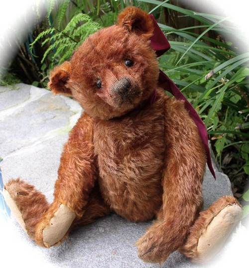 antique steiff teddy....such a sweet face