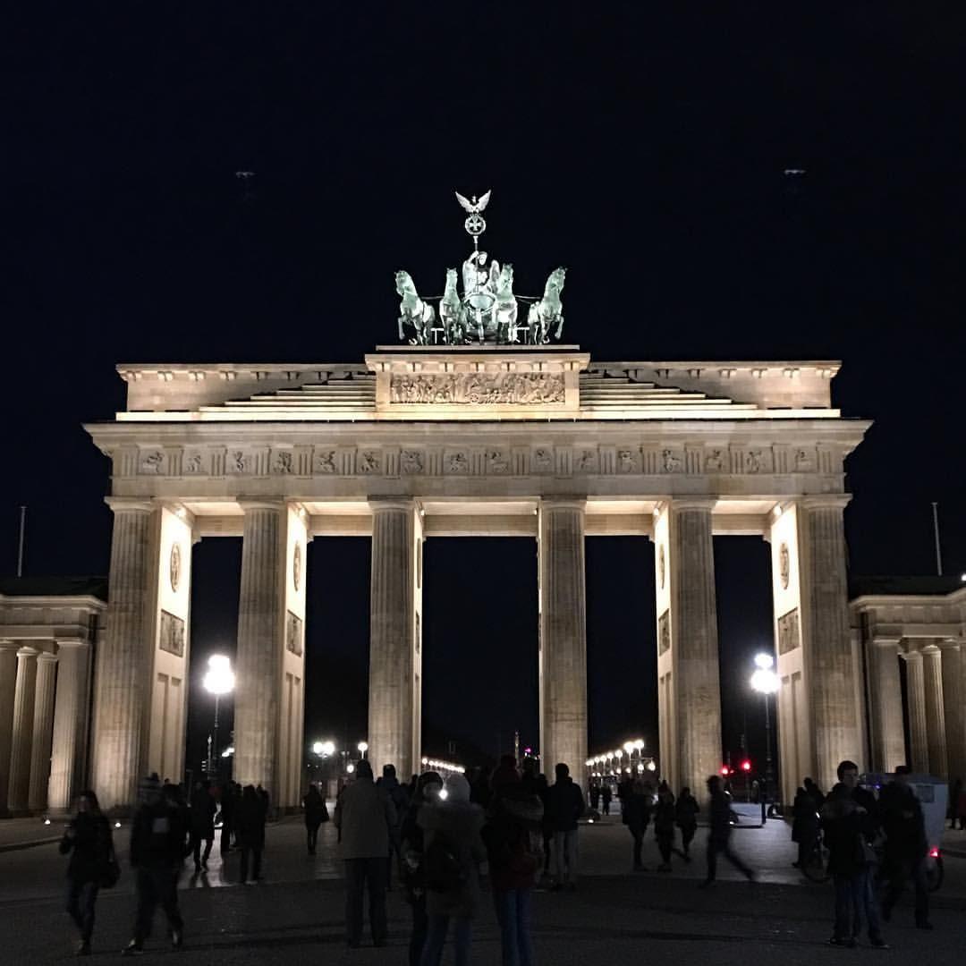 Brandenburger Tor Wheninberlin Brandenburg Gate Berlin Travel Round The World Trip