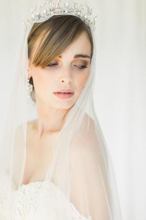 Aquarelle Wedding Earrings & Tiara by Edera Jewelry | #serenityblue #wedding #crown #bridaljewelry